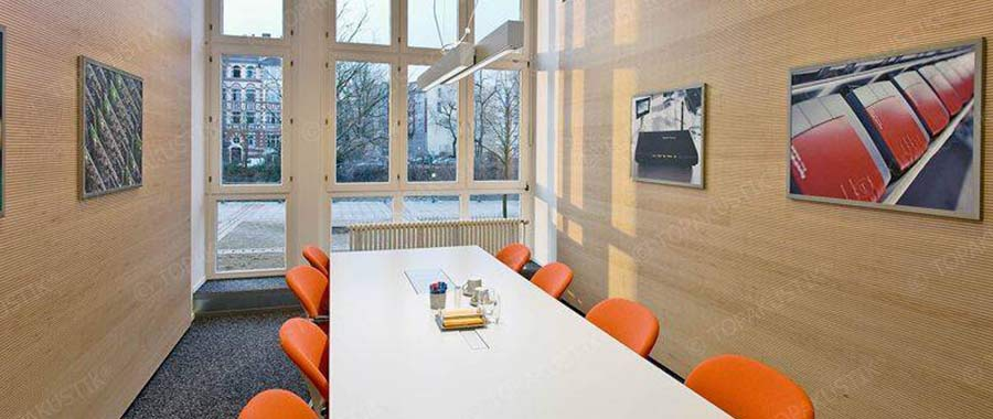 Acoustic wall solution meeting room
